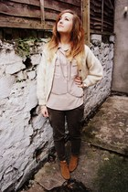 light pink Gap shirt - tawny Clarks boots - army green Gap pants