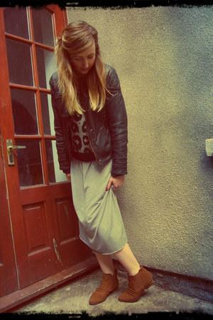 heather gray midi Gap dress - dark brown chelsea Jane Norman boots