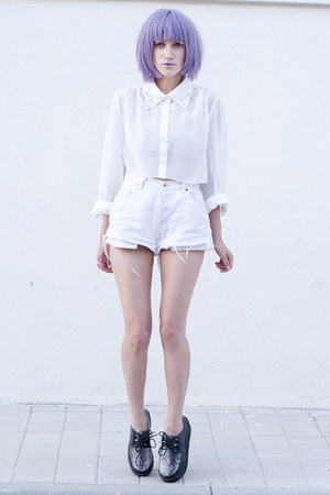 white Chicwish shirt - periwinkle lipstick Lime Crime accessories