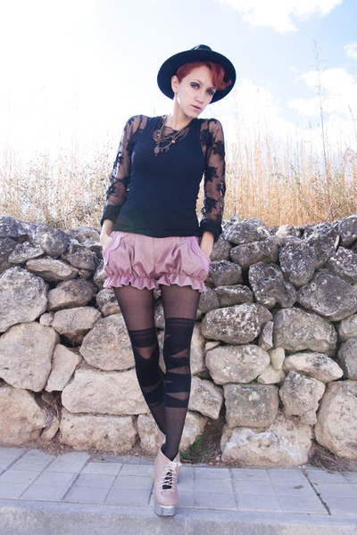 pink Yiddish Chutzpah shorts - black vintage hat