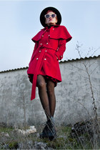 red aminta coat - black Shoes shoes - black vintage hat