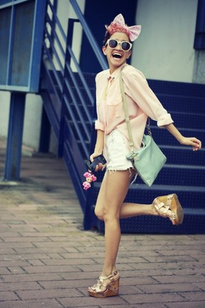 vintage shirt - vintage shorts - cinderella wedges - collar OASAP accessories