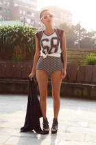 black Amelie shoes - black Boodwah shorts - white Shana t-shirt