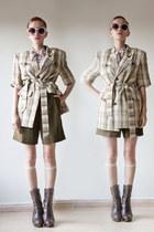 beige vintage blazer - army green vintage shorts - off white vintage blouse