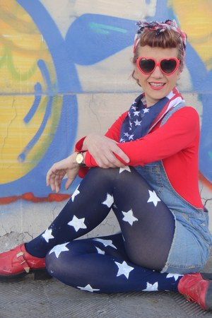 diy navy tights - sunglasses - We Love Colors bodysuit