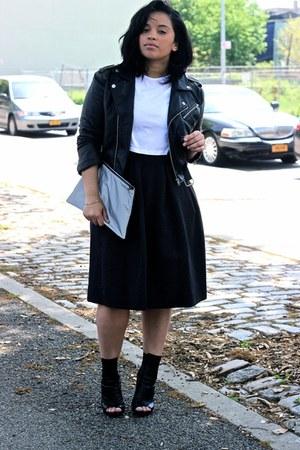 black midi H&M skirt - black peep toe tony bianco boots - black nastygal jacket