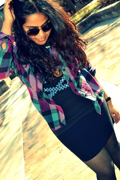 flannel shirt - bodycon skirt
