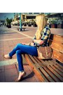 Light-yellow-forever-21-shirt-blue-zara-jeans-tan-stardivarius-bag