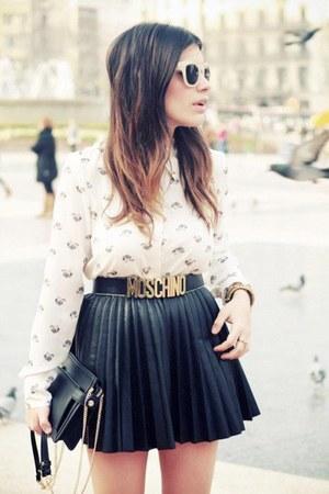 black wide Moschino belt - white collar shirt - black clutch bag