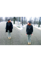 olive green beanie hat hat - camel boots - dark gray woll sweater
