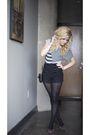 Black-kensie-shorts-black-lucky-shoes-white-lux-top-black-marc-jacobs-purs