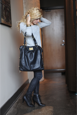 gray Zara sweater - black Levi jeans - black deena and ozzy boots - gold bracele
