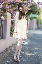 light yellow sugarhill boutique dress
