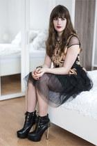black Jepo boots - black Chicwish dress