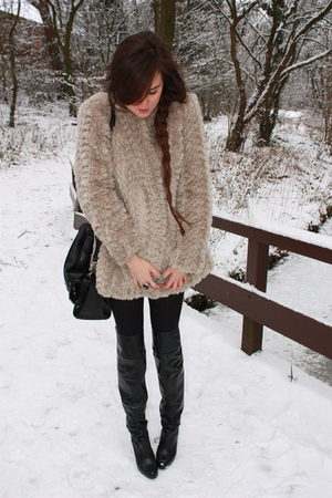 beige River Island coat