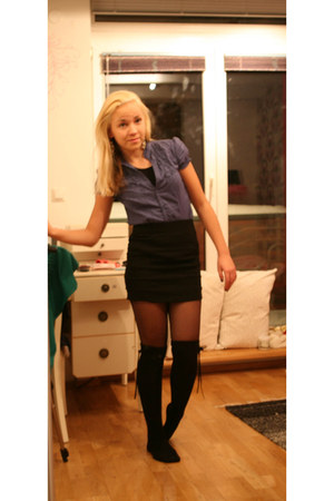 black skirt - blue shirt