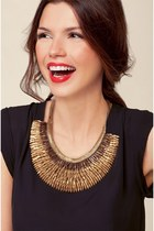 gold Stella & Dot necklace
