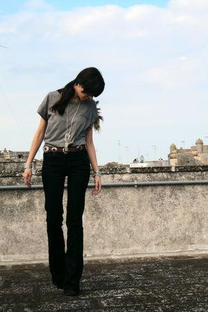 gray Zara t-shirt - blue Zara jeans - brown Massimo Dutti belt - brown Primadonn
