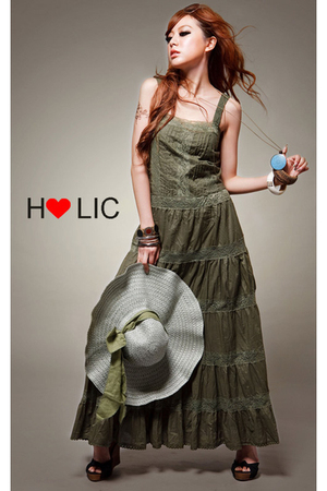 holic dress