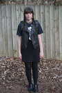 Black-animal-print-nordstrom-boots-navy-tee-vintage-shirt