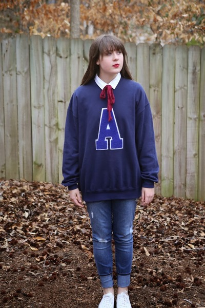 blue ripped Gap jeans - white collar Gap shirt