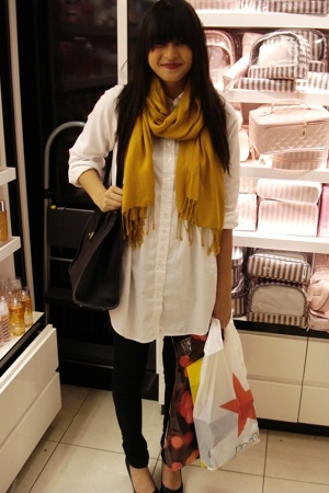 H&amp;M dress - BDG jeans - H&amp;M scarf - coach purse - Chinese Laundry shoes