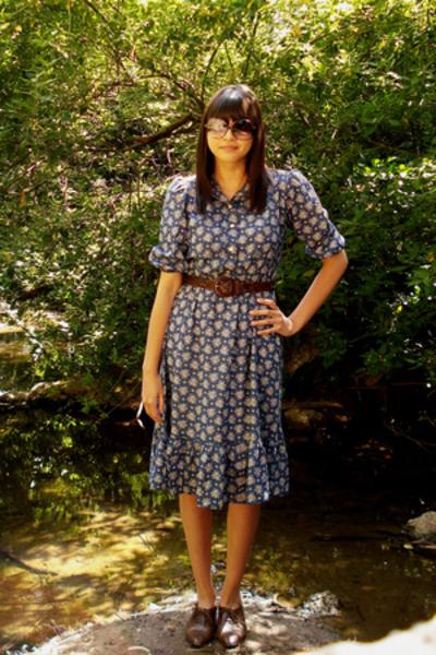 thrift town dress - Goodwill belt - etienne aigner shoes