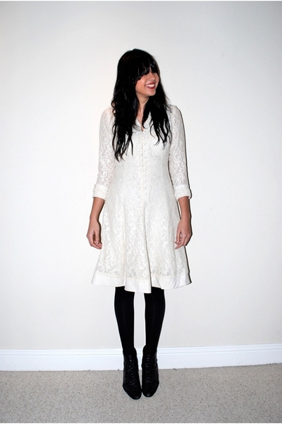 white lace vintage dress - black lace up thrifted boots