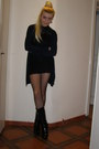 Black-lace-dress-ivory-bon-prix-coat-black-fishnet-calzedonia-tights
