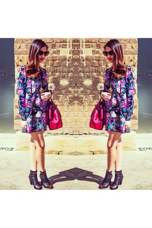 ruby red bag - purple dress - black asos sunglasses