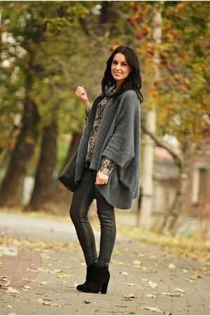gray second hand cardigan