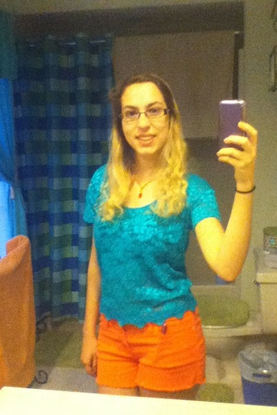 turquoise blue Kirra by PacSun blouse - orange Guess shorts