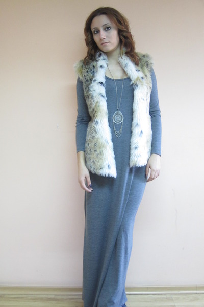 faux fur DIY vest - maxi Stradivarius dress