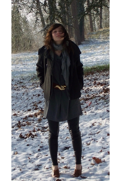 3 suisses coat - dont know  scarf - see U soon dress - vintage belt - leggings -