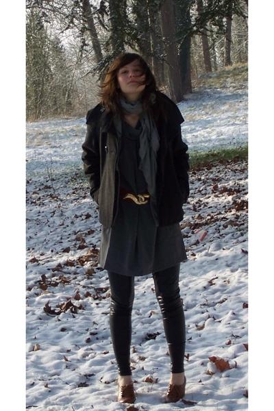 3 suisses coat - dont know  scarf - see U soon dress - vintage belt - leggings -
