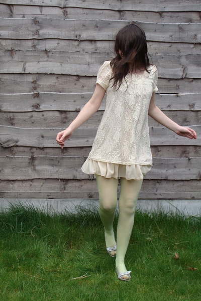 vintage dress - Miss Selfridge tights - thrifted shoes