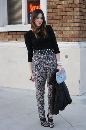 Bebe sweater - H&M pants - Zara shoes - f21 belt - vintage purse