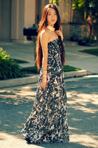 marbled maxi Sugarlips dress - gold collar OASAP necklace