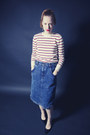 White-striped-vintage-sweater-blue-stonewashed-vintage-skirt