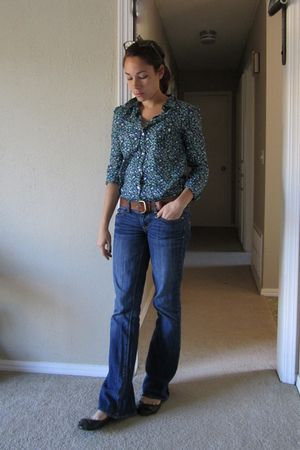 blue American Eagle jeans - brown Madden Girl shoes - blue Old Navy shirt - brow