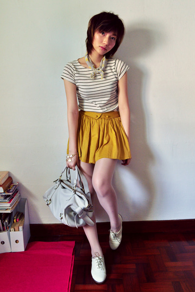 mustard skirt - dark gray shirt - cream shirt - silver bag