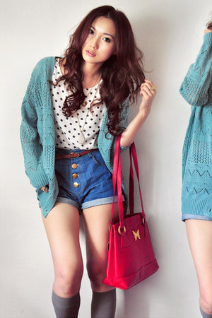 off white shirt - ruby red bag - navy shorts - heather gray socks - turquoise bl