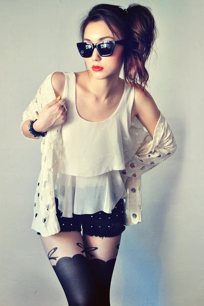 beige shirt - black shorts - red accessories