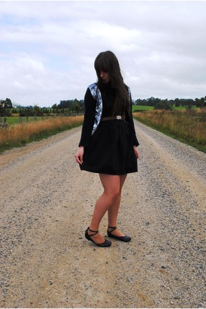 black lbd Glassons dress - tawny girl guides vintage belt - black sequin Valley