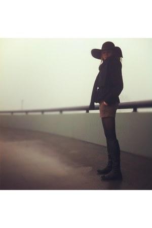 dark brown next hat - black leather Bata boots
