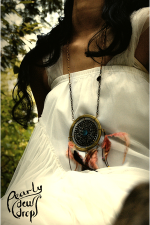 the dream catcher necklace