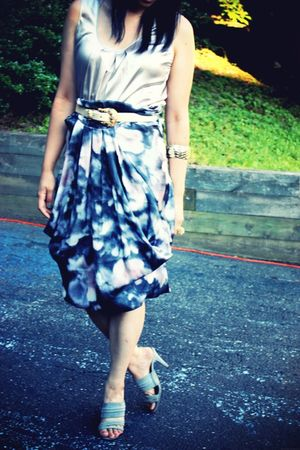 gray H&amp;M skirt - gray Derek Lam shoes - beige banana republic top