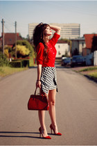 black houndstooth Choies skirt - red chiffon tideshe shirt