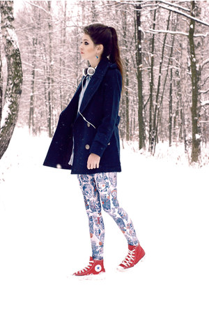 navy wool romwe coat - red converse Converse shoes
