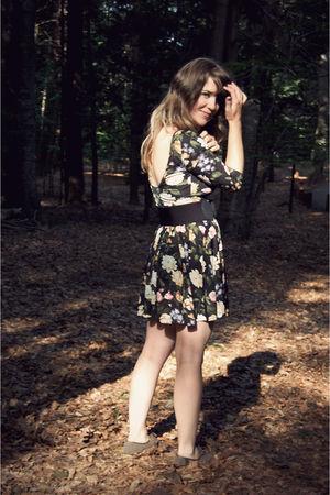 black modcloth dress - beige Target shoes - black Urban Outfitters belt - silver